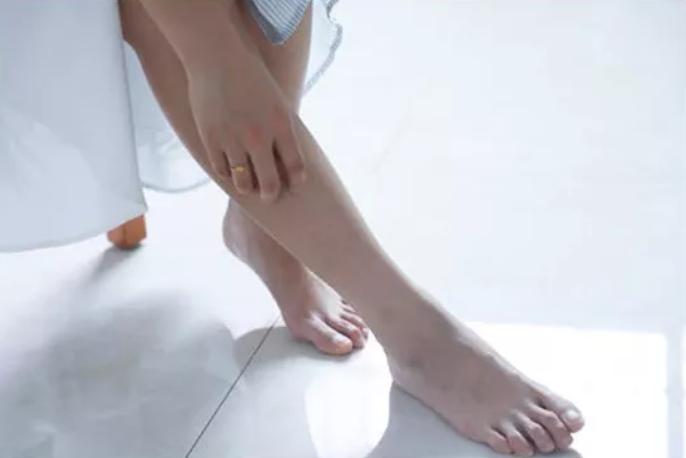 下肢脱毛、蚯蚓腿,可能是血管堵了