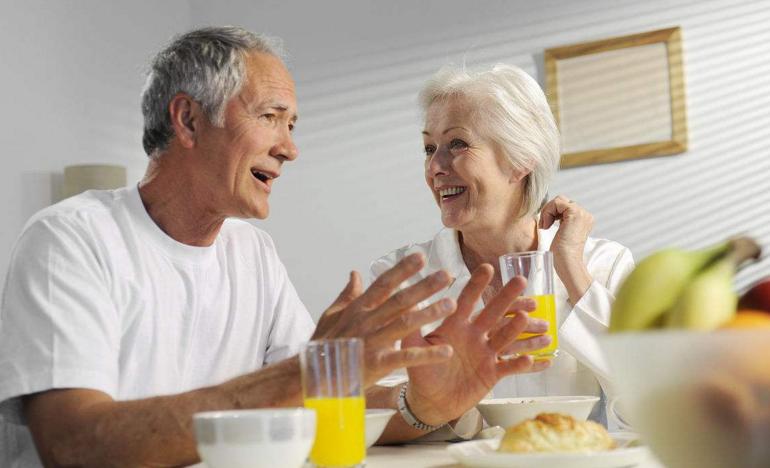 肽快速补充蛋白质的优势,老人补肽益处多!